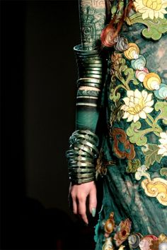 ♂ Exotic beauty fashion Blue and greenJean Paul Gaultier, Haute Couture S/S 2010