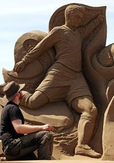 Soccer Art, Football Art, Snow Sculptures, Lion Sculpture, Sand Art, True Art, Art Festival, Beach Fun, Art Forms