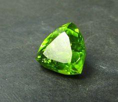 Large 7.83ct Natural Grass Green USA ARIZONA Peridot Gemstone 12mm TRILLION