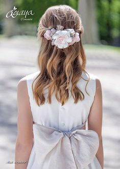 The Effective Pictures We Offer You About junior bridesmaid hair kids A quality picture can tell you Plaits Hairstyles, Flower Girl Hairstyles, Down Hairstyles, Wedding Hairstyles, Bridesmaid Hair Plaits, Communion Hairstyles, Hairdo For Long Hair, Girls Communion Dresses, Romantic Wedding Hair