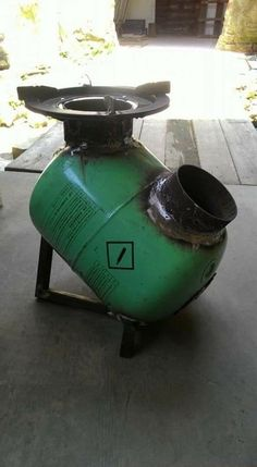 Discover thousands of images about Resultado de imagen para rocket stove and grill Metal Projects, Welding Projects, Art Projects, Rocket Stove Design, Diy Rocket Stove, Rocket Heater, Diy Wood Stove, Outdoor Stove, Diy Fire Pit