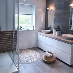 Vårfølelse både ute og inne The post Spring mood . Vårfølelse både ute og inne 2019 appeared first on Bathroom Diy. Bathroom Renos, Bathroom Renovations, Bathroom Interior, Modern Bathroom, Small Bathroom, Bathroom Crafts, Bad Inspiration, Bathroom Inspiration, Bathroom Inspo