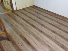 LIXIL D.フロア ナチュラルオークF 施工例 Hardwood Floors, Flooring, Natural Interior, Solid Wood, House, Image, Wood Floor Tiles, Home, Haus