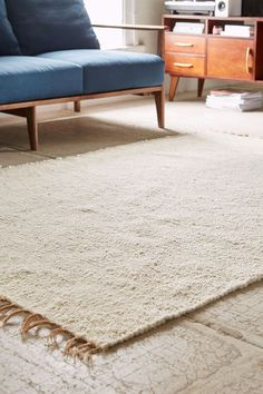 urban outfitters vernick berber rug in ivory (size 3'x5')
