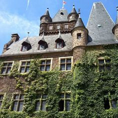 Ivy covered Cochem Castle, Germany. Photo courtesy of nappierfamily on Instagram.
