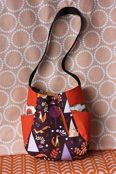 Noodlehead's pattern for her 241 Tote available as PDF from Kathy's shop (Pink Chalk Fabrics) $8.00