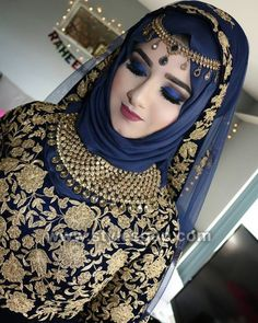 40 Ideas asian bridal hijab pakistani dresses for 2019 Muslimah Wedding Dress, Hijab Style Dress, Muslim Wedding Dresses, Muslim Brides, Muslim Women, Pakistani Bridal Makeup, Pakistani Bridal Dresses, Beau Hijab, Bridal Hijab Styles