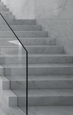 Solid marble stairs by Spanish Architects Suarez Santas – Enterprise Park in Arte Sacro, Spain 2010 on Inspirationde Marble Stairs, Glass Stairs, Glass Railing, Interior Staircase, Staircase Remodel, Staircase Design, Staircase Ideas, Decorating Staircase, Balustrades