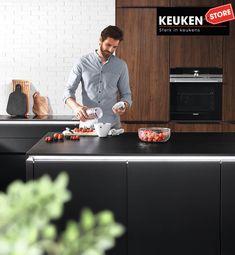 De zwarte keuken is anno 2021 heel populair. Begrijpelijk want zwart is chique, stoer, maar ook modern en industrieel! Kies voor een volledig zwarte keuken, inclusief keukenblad, of maak een mooie combi met bv. hout. Keuze te over! #zwartekeuken #industrielekeuken #modernekeuken #2021 #exlusievekeuken #keuken #keukeninspiratie #luxekeuken #populairekeuken #interieurinspiratie #wooninspiratie #stijlvollekeuken #stoerekeuken #keukenstore Budget, Modern, Trendy Tree, Budgeting
