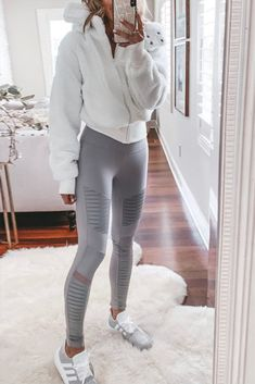 Cute Sporty Outfits, Casual School Outfits, Teen Fashion Outfits, Trendy Outfits, Cute Legging Outfits, Cute Athletic Outfits, Cute Workout Outfits, Cozy Outfits, Athletic Style