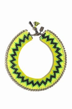 Trendy crochet necklace that I'd love to try and make!