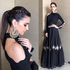 Faceoff: Deepika Padukone or Kriti Sanon, who wore the shoulder duster Chand Bali better? Fashion Faceoff: Deepika Padukone or Kriti Sanon, who wore the shoulder duster Chand Bali better? Indian Gowns Dresses, Prom Dresses, Formal Dresses, Indian Designer Outfits, Designer Dresses, Fashion Clothes, Fashion Dresses, Dress Indian Style, Indian Wedding Outfits