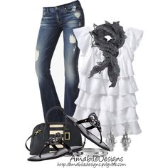 Cool summer night outfit?! So cute...