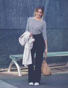 """Der Modeklassiker schlecht hin: Die Marlenehose! Lässige Eleganz mit der High Waist Pant von mbyM gepaart mit Only Oversize Mantel, Fairtrade Ringelshirt von ARMEDANGELS und den """"All Stars"""" von Converse"""