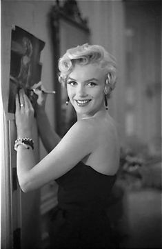 Golden Age Of Hollywood, Hollywood Glamour, Hollywood Stars, Classic Hollywood, Old Hollywood, Joven Marilyn Monroe, Arte Marilyn Monroe, Marilyn Monroe Photos, Marilyn Monroe Movies