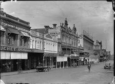 006757PD: Wellington Street, Perth, south side west from Barrack Street, 1927 https://encore.slwa.wa.gov.au/iii/encore/record/C__Rb3704967