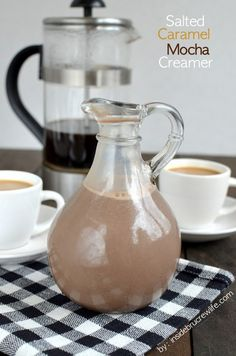 Salted Caramel Mocha Creamer -Make Your Own Coffee Creamer! YAY homemade creamer with a salted caramel and chocolate flavor Homemade Coffee Creamer, Mocha Coffee Creamer Recipe, Salted Caramel Creamer Recipe, Salted Caramel Mocha, Salted Caramels, Smoothies, Chocolate Caliente, Expresso, Mocca
