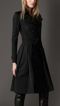 LONG PLEATED FULL SKIRT TRENCH COAT-i have sth like that, but it looks much bigger on me :)