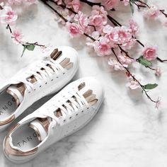 Tango white sneakers with rose quartz  https://www.sooco.nl/tango-anna-26-witte-lage-sneakers-27605.html