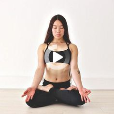 Watch Charlene& easy sit-up-in-bed yoga video Kate Bennett, Morning Yoga Stretches, Bed Yoga, Cool Yoga Poses, Restorative Yoga, Sit Up, Yoga Videos, Yoga Teacher, Bedtime