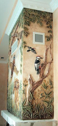 Дизайн каминов. Способы декорирования: барельеф и художественная роспись.