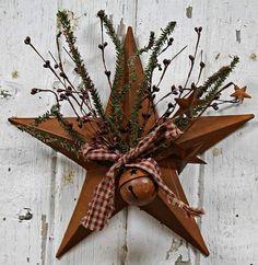 Rusty Tin Star with Pips Pine Spray