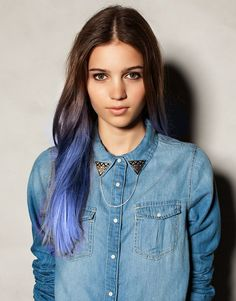 ☁ Pastel ombre technique or 'dip-dye'. The hair has been back-combed at the roots and bleach applied to all of the ends which lifts it to a pale yellow colour. The bleach is washed out, then a blue toner was applied which has since washed out of the most porous parts of the hair at the end.