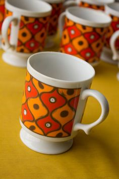 Vintage Holt Howard Orange Coffee Mugs Orange Mugs, Modern Dinnerware, Vintage Coffee, Tea Set, Beautiful Things, Kitchen Remodel, Tea Party, Kitchen Decor, Coffee Mugs