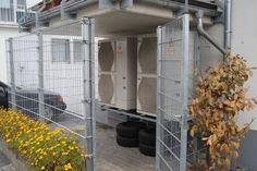 Wärmepumpentour Teil 2: Mehrfamilienhaus übertrifft Neubau-Effizienzstandard