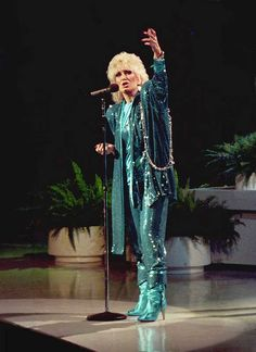 Dusty Springfield in Royal Albert Hall. Music Film, Music Icon, Call Dusty, Lesley Gore, Dusty Springfield, Soul Singers, Zappa, Royal Albert Hall, Billboard Hot 100