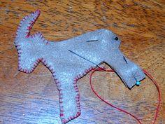 Felt Yule Goat Ornament Tutorial Swedish Christmas, Scandinavian Christmas, Christmas Fun, Yule Crafts, Xmas Crafts, Pagan Yule, Wiccan, Yule Goat, Felt Ornaments Patterns