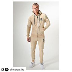 Disponible en tienda 😍💥💣 #bluemadness💙 #benalmadena #sinnersattire #Repost @sinnersattire ・・・  Super Comfy, Skinny Fit Standard Tracksuits 👌🏻🔥 #clothing #style #street #streetwear #streetwearbrand #tattoosofinstagram #men #menswear #fashionista #tshirt #raglan #fashionable #gymwear #mensfashion #tattoo #tattoos #ink #inked #urban #gym #fashion #inkedguys #mens #streetwear #skinnyjeans #fashionable