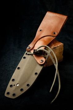 Fallkniven Custom handles and kydex sheath Tactical Knives, Tactical Gear, Custom Leather, Leather Men, Leather Knife Sheath Pattern, Reloading Bench, Kydex Sheath, Leather Projects, Leather Crafts