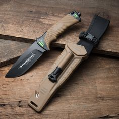 The Surviv-All survival knife from StatGear has a high carbon 440 stainless steel full tang, drop point blade. It has a rubber textured handle with a stainless steel pommell on the handle bottom. The heavy duty belt sheath includes a fire starter rod and cord cutter
