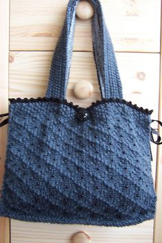 knitted bag....love the stitch and the color combo