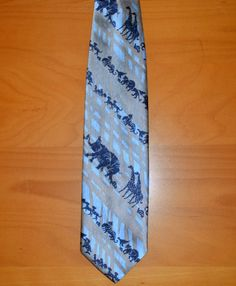 Love this too!  Hey, I found this really awesome Etsy listing at https://www.etsy.com/listing/129440658/70s-vintage-necktie-noahs-ark-tie-zoo