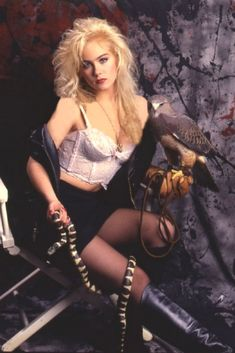 Christina Applegate - American Actress known for playing Kelly Bundy in Married With Children - born Los Angeles, California Pixie, Grunge, Beautiful Christina, New Retro Wave, Married With Children, 80s And 90s Fashion, Hollywood, Punk, Lingerie