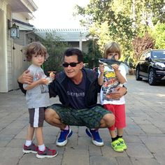 Charlie Sheen shows off his adorable kids in Twitpics. See more of Charlie's Twitpics here: http://www.eonline.com/news/436081/charlie-sheen-shows-off-adorable-kids-in-twitpics-and-a-really-big-gun-in-machete-kills-poster