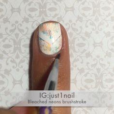 Brushstroke mani using nail vinyls from @whatsupnails !