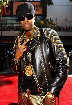 2 chainz dipped in versace #vma2012