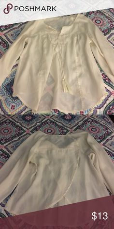 American Eagle Blouse Cream tulip back peasant top American Eagle Outfitters Tops Blouses