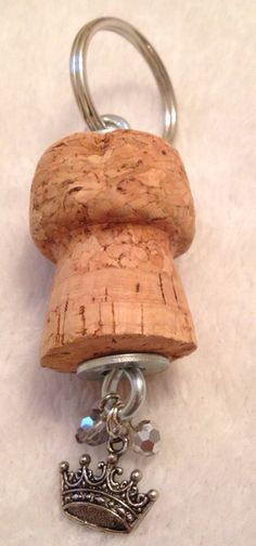 Barefoot Bubbly Champagne Cork Keychain with Princess Crown Charm and Beads Wine Craft, Wine Cork Crafts, Wine Bottle Crafts, Champagne Corks, Champagne Cork Crafts, Diy Cork, Wine Cork Ornaments, Wine Cork Projects, Wine Cork Art