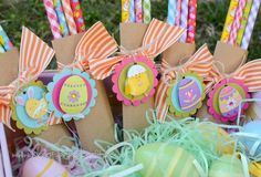 Very cute and easy to make.  This would be great for class gifts. http://media-cache2.pinterest.com/upload/48061920993406542_cq3pBqq4_f.jpg bridgettescraps holiday easter