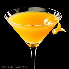 The Bronx Cocktail Ingredients 1½ ounces dry gin  ¾ ounce dry vermouth (white French vermouth) ¾ ounce sweet vermouth (red Italian vermouth) ¾ ounce freshly squeezed orange juice (you may prefer 1 ounce; see Notes) garnish of orange twist or slice (optional)