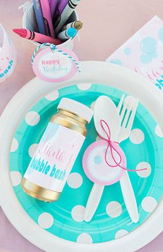 Birthday Brunch Bubble Party Ideas For 2019 Bubble Birthday Parties, Birthday Fun, Birthday Party Themes, Birthday Ideas, Backyard Birthday, Birthday Brunch, Birthday Banners, Bubble Bash, Bubble Wands