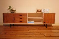 BuitenOosten | multiplex tv meubel met vintage lades, € 585,- / verkocht