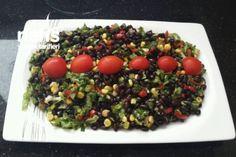 Yeşillikli Siyah Fasulye Salatası Tarifi