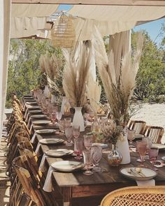 20 Incredible Bohemian Pampas Grass Wedding Ideas - Page 2 of 2 - Oh The Wedding Day Is Coming Chic Wedding, Wedding Table, Wedding Styles, Rustic Wedding, Home Wedding Decorations, Deco Boheme, Bunch Of Flowers, Event Decor, Grass