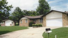 Easy maintenance brick home in desirable golf course neighborhood. Many recent updates. Kitchen with newer appliances & breakfast room. Comfy living room, spacious master bedroom with His & Hers closets, instant hot water in kitchen & both baths, newer vinyl windows, roll-out shelves in kitchen. Private deck, golf cart garage or garden building, level lot. Home warranty included in Mountain Home AR