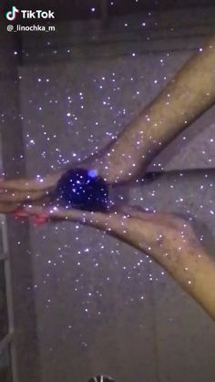 Satisfying videos on Tiktok Aesthetic Movies, Aesthetic Videos, Aesthetic Pictures, Satisfying Pictures, Oddly Satisfying Videos, Glitter Photography, Funny Photography, Dump A Day, Motion Video
